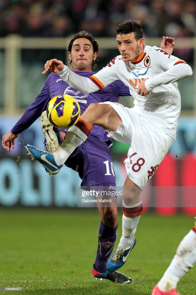 Alberto Aquilani of ACF Fiorentina fights for the ball with Alessandro Florenzi of AS Roma during the TIM cup match between ACF Fiorentina and AS Roma at Artemio Franchi on January 16, 2013 in Florence, Italy.
