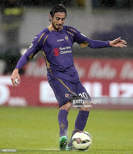 Alberto Aquilani of ACF Fiorentina in action during the Serie A match between ACF Fiorentina and UC Sampdoria at Stadio Artemio Franchi on April 4...