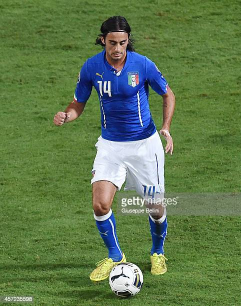 Alberto Aquilani of Italy in action during the EURO 2016 Group H Qualifier match between Italy and Azerbaijan at Stadio Renzo Barbera on October 10...