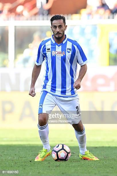 Alberto Aquilani of Pescara Calcio in action during the Serie A match between Genoa CFC and Pescara Calcio at Stadio Luigi Ferraris on September 25...