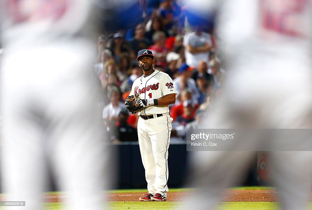 <a gi-track='captionPersonalityLinkClicked' href=/galleries/search?phrase=Alberto+Callaspo&family=editorial&specificpeople=835933 ng-click='$event.stopPropagation()'>Alberto Callaspo</a> #1 of the Atlanta Braves reacts after a fielding error in the seventh inning that resulted in a run scored by Lucas Duda #21 of the New York Mets during the Braves opening series at Turner Field on April 11, 2015 in Atlanta, Georgia.