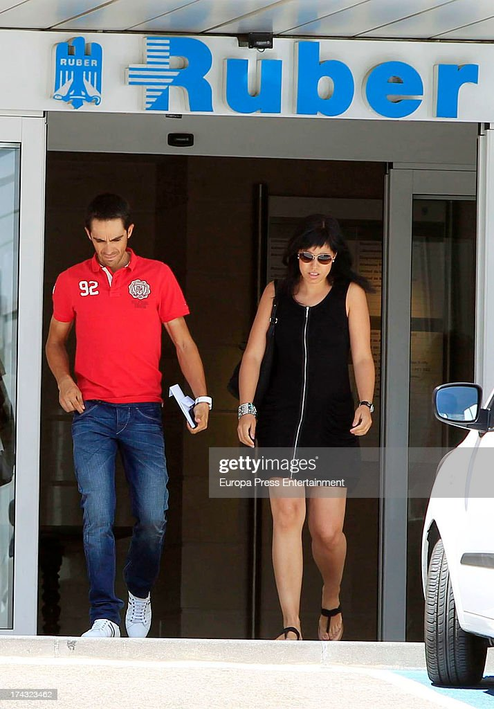 <a gi-track='captionPersonalityLinkClicked' href=/galleries/search?phrase=Alberto+Contador&family=editorial&specificpeople=562697 ng-click='$event.stopPropagation()'>Alberto Contador</a> and his wife Macarena Pescador arrive at Ruber International hospital on July 23, 2013 in Madrid, Spain.