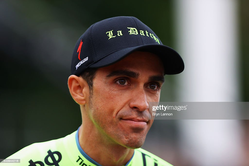 <a gi-track='captionPersonalityLinkClicked' href=/galleries/search?phrase=Alberto+Contador&family=editorial&specificpeople=562697 ng-click='$event.stopPropagation()'>Alberto Contador</a> of Spain and Tinkoff attends the Team Presentation ahead of the 2016 Tour de France at on June 30, 2016 in Sainte-Mere-Eglise, France.