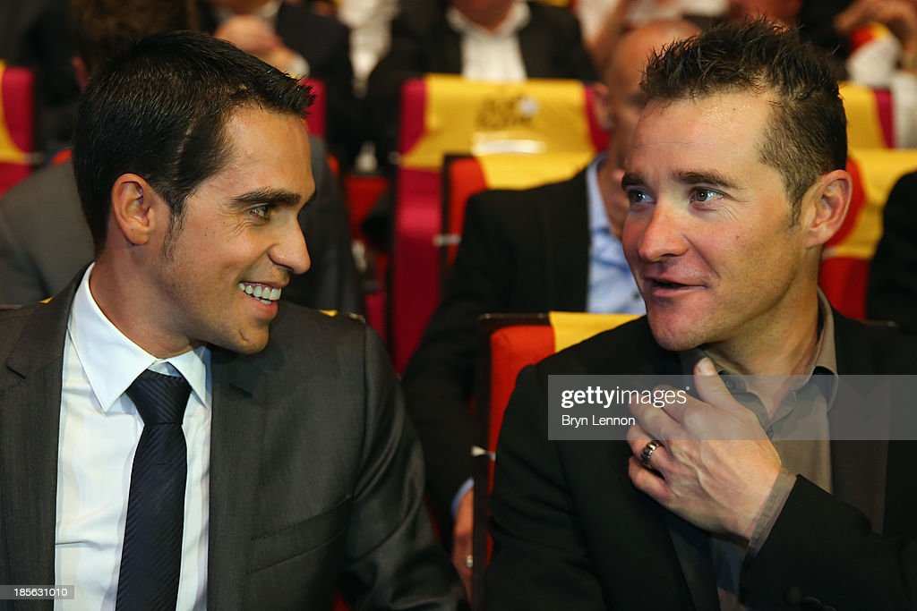 <a gi-track='captionPersonalityLinkClicked' href=/galleries/search?phrase=Alberto+Contador&family=editorial&specificpeople=562697 ng-click='$event.stopPropagation()'>Alberto Contador</a> of Spain chats to Tommy Voeckler of France prior to the route presentation of 2014 Tour de France at the Palais des Congres de Paris on October 23, 2013 in Paris, France. The 101st edition of the Tour de France will start with 3 stages in England.
