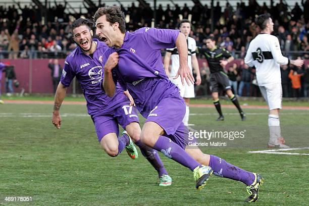 Alberto De Poli of ACF Fiorentina celebrates after scoring a goal during the Viareggio Juvenile Cup match between ACF Fiorentina v Parma FC on...