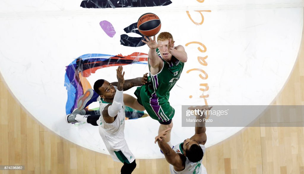 Alberto Diaz, #9 of Unicaja Malaga in action during the 2017/2018 Turkish Airlines EuroLeague Regular Season Round 7 game between Unicaja Malaga and Zalgiris Kaunas at Martin Carpena Arena on November 14, 2017 in Malaga, Spain.