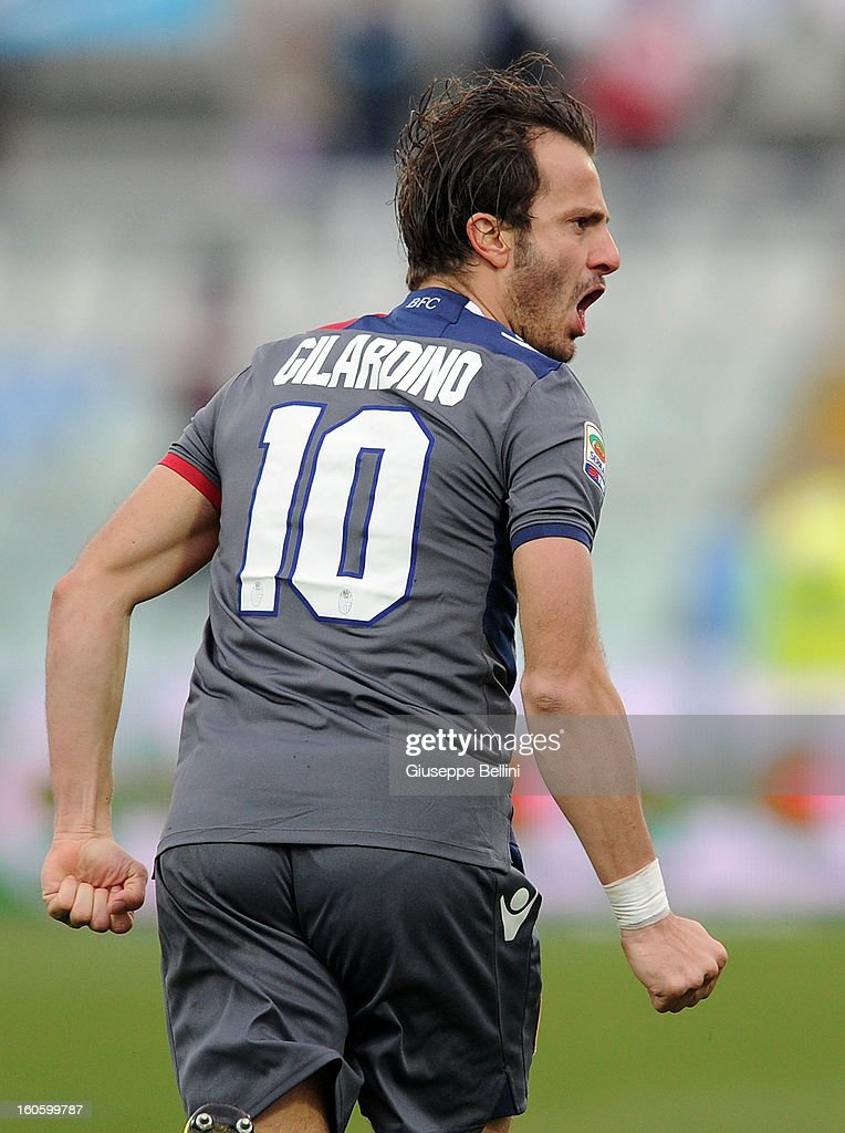 <a gi-track='captionPersonalityLinkClicked' href=/galleries/search?phrase=Alberto+Gilardino&family=editorial&specificpeople=215491 ng-click='$event.stopPropagation()'>Alberto Gilardino</a> of Bologna celebrates after scoring the goal 2-2 during the Serie A match between Pescara and Bologna FC at Adriatico Stadium on February 3, 2013 in Pescara, Italy.