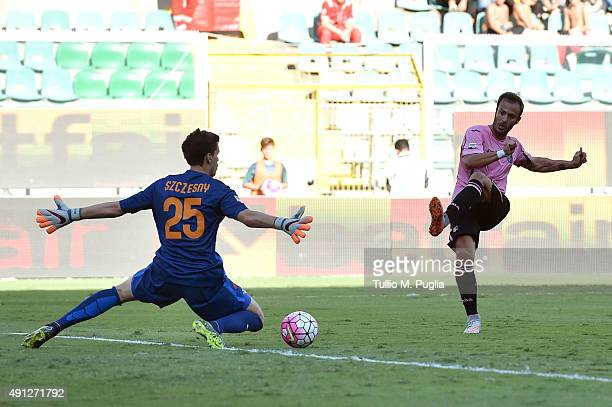 Alberto Gilardino of Palermo scores his goal during the Serie A match between US Citta di Palermo and AS Roma at Stadio Renzo Barbera on October 4...
