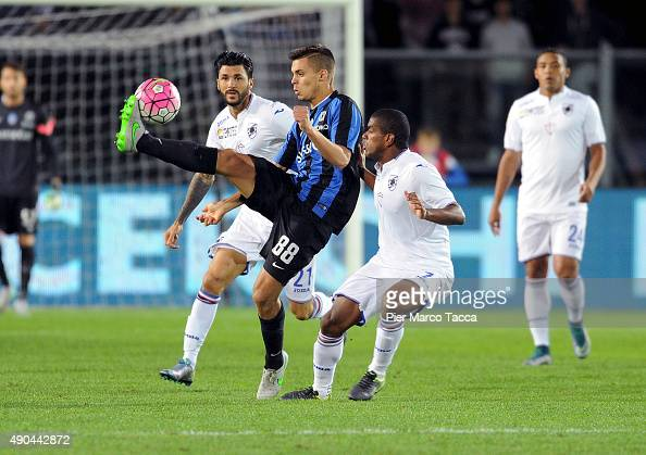 Alberto Grassi of Atalanta BC competes for the ball with Lucas Martins Fernando of UC Sampdoria during the Serie A match between Atalanta BC and UC...