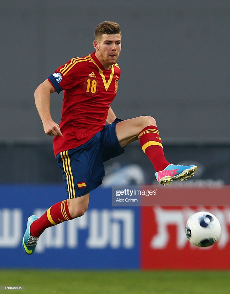 Alberto Moreno of Spain controles the ball during the UEFA European U21 Championship Semi Final match between Spain and Norway at Netanya Stadium on June 15, 2013 in Netanya, Israel.