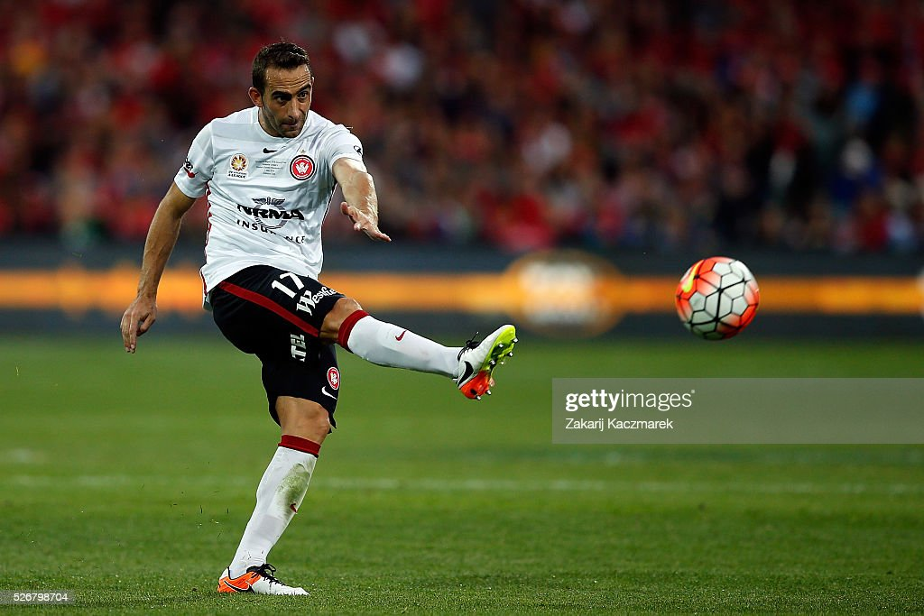Alberto of the Wanderers strikes for goal during the 2015/16 A-League Grand Final match between Adelaide United and the Western Sydney Wanderers at Adelaide Oval on May 1, 2016 in Adelaide, Australia.