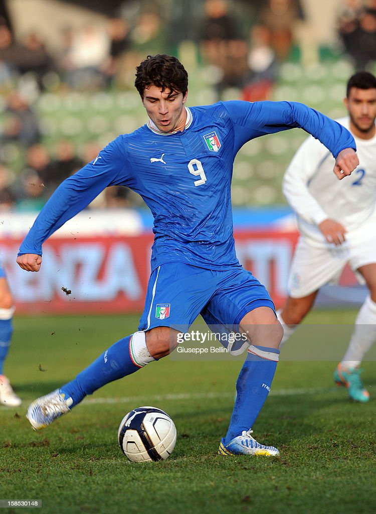 <a gi-track='captionPersonalityLinkClicked' href=/galleries/search?phrase=Alberto+Paloschi&family=editorial&specificpeople=3817495 ng-click='$event.stopPropagation()'>Alberto Paloschi</a> of Italy U21 scores from the penalty spot during the friendly match between Italy U21 and Rappresentativa Serie B at Stadio Libero Liberati on December 18, 2012 in Terni, Italy.