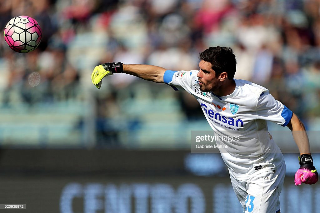 Alberto Pelagotti of Empoli FC in action during the Serie A match between Empoli FC and Bologna FC at Stadio Carlo Castellani on May 1, 2016 in Empoli, Italy.