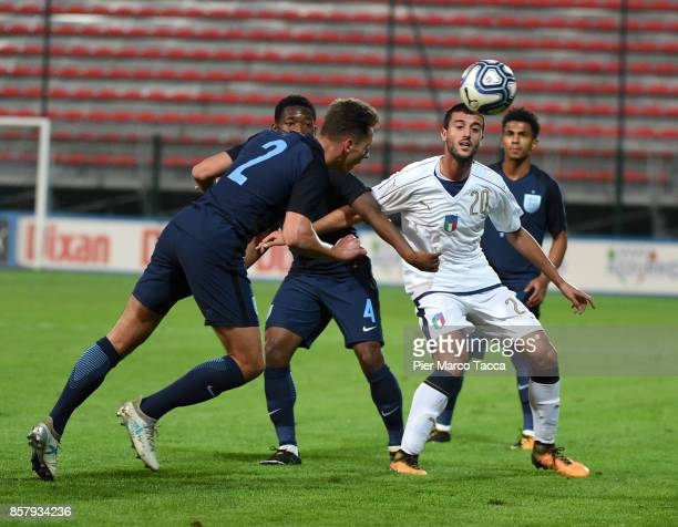 Alberto Picchi of Italy U20 competes for the ball with Adetayo Edun of England U20 during the 8 Nations Tournament match between Italy U20 and...