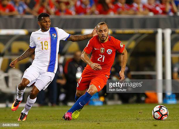Alberto Quintero of Panama and Marcelo Diaz of Chile makes a play for the ball in the first half during the 2016 Copa America Centenario Group D...
