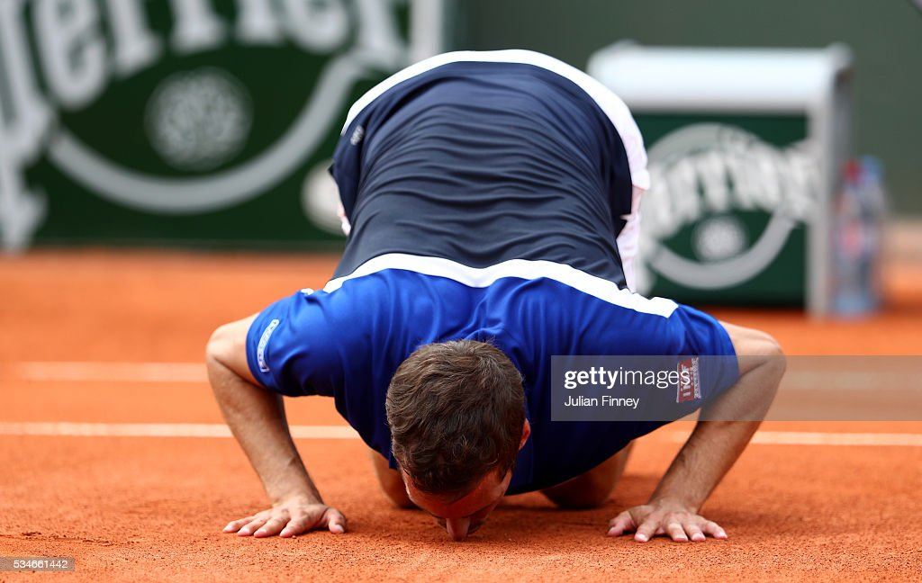 Alberto Ramos Vinolas of Spain celebrates victory during the Men's Singles third round match against Jack Sock of the United States on day six of the 2016 French Open at Roland Garros on May 27, 2016 in Paris, France.