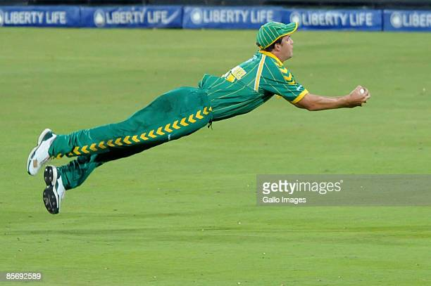 Albie Morkel of South Africa takes the catch for the wicket of Nathan Bracken of Australia during the Standard Bank International Pro20 match between...