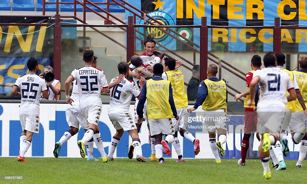 Albin Ekdal of Cagliari celebrates the third goal during the Serie A match between FC Internazionale Milano and Cagliari Calcio at Stadio Giuseppe...