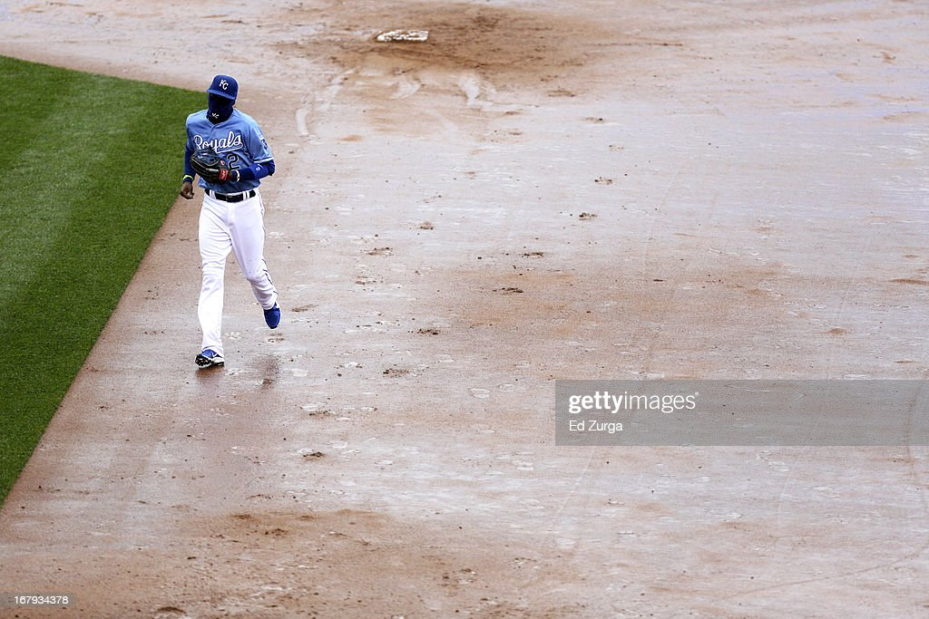 Alcides Escobar #2 of the Kansas City Royals runs to the dugout after the Tampa Bay Rays batted in the fourth inning at Kauffman Stadium on May 2, 2013 in Kansas City, Missouri.