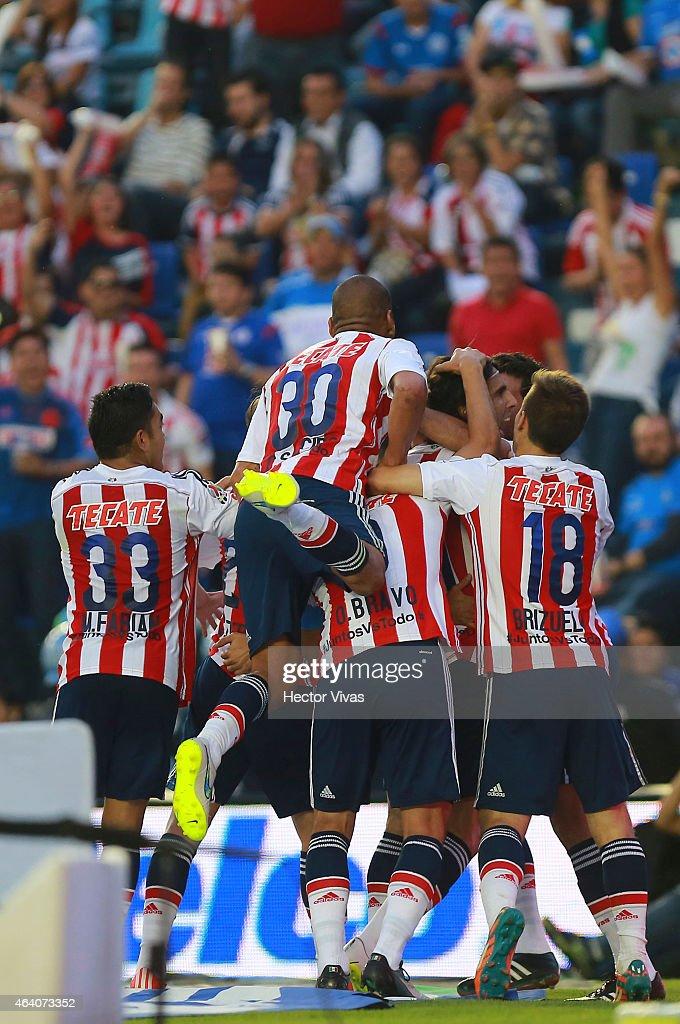 Cruz Azul v Chivas - Clausura 2015 Liga MX