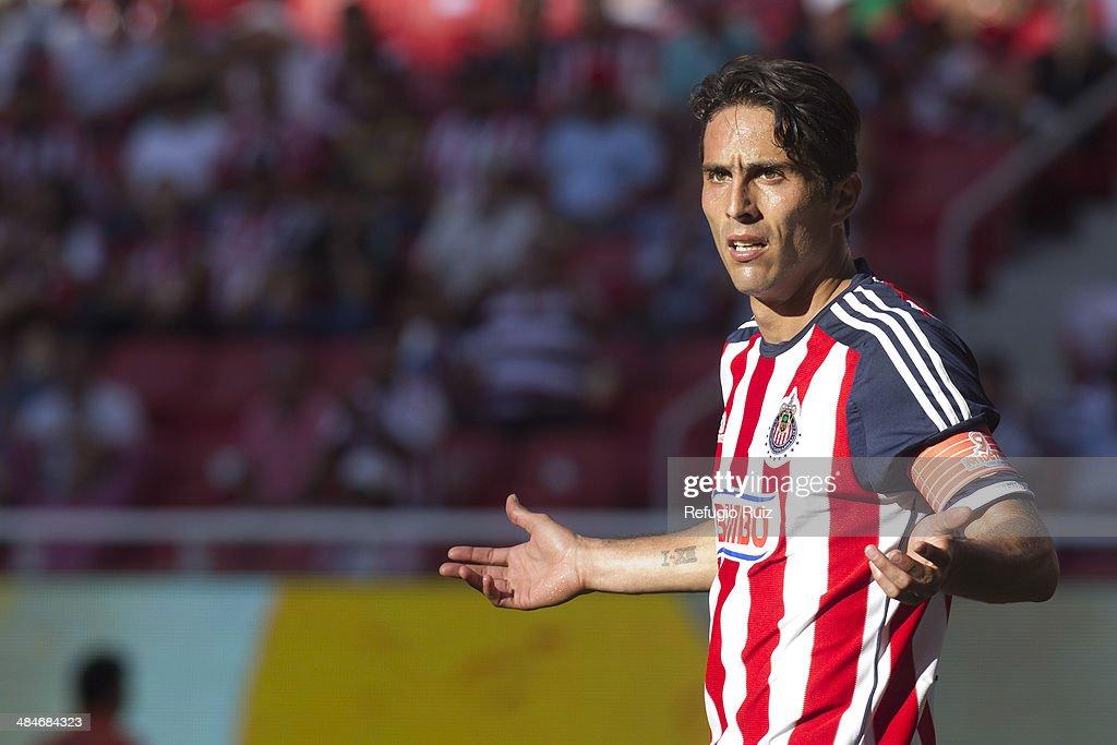 Chivas v Morelia - Clausura 2014 Liga MX