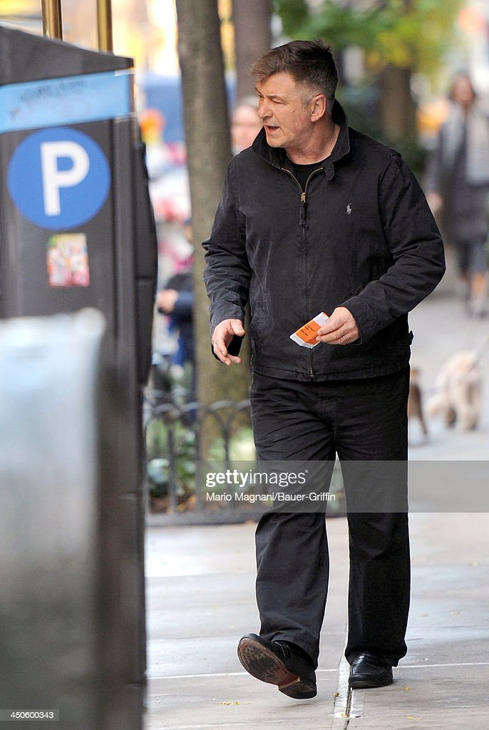 <a gi-track='captionPersonalityLinkClicked' href=/galleries/search?phrase=Alec+Baldwin&family=editorial&specificpeople=202864 ng-click='$event.stopPropagation()'>Alec Baldwin</a> leaves his apartment building on November 19, 2013 in New York City.