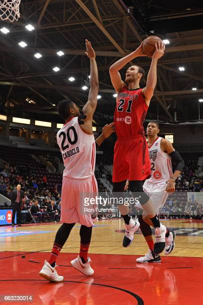 Alec Brown of the Windy City Bulls drives to the basket against the Raptors 905 on March 30 2017 in Mississauga Ontario Canada NOTE TO USER User...