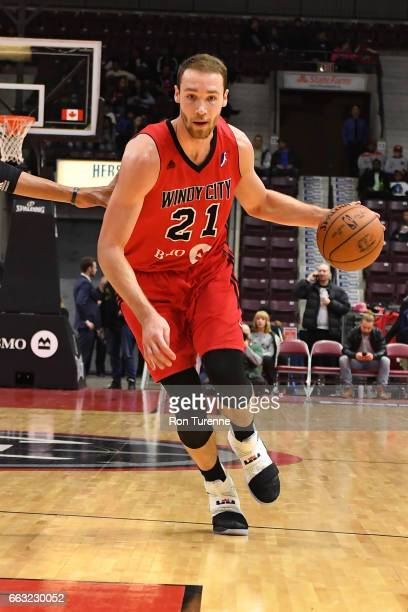 Alec Brown of the Windy City Bulls drives to the basket against the Windy City Bulls on March 30 2017 in Mississauga Ontario Canada NOTE TO USER User...