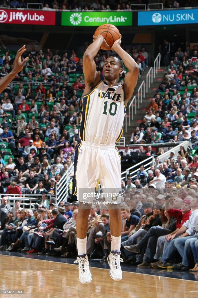 <a gi-track='captionPersonalityLinkClicked' href=/galleries/search?phrase=Alec+Burks&family=editorial&specificpeople=6834208 ng-click='$event.stopPropagation()'>Alec Burks</a> #10 of the Utah Jazz shoots against the Minnesota Timberwolves at EnergySolutions Arena on February 22, 2014 in Salt Lake City, Utah.