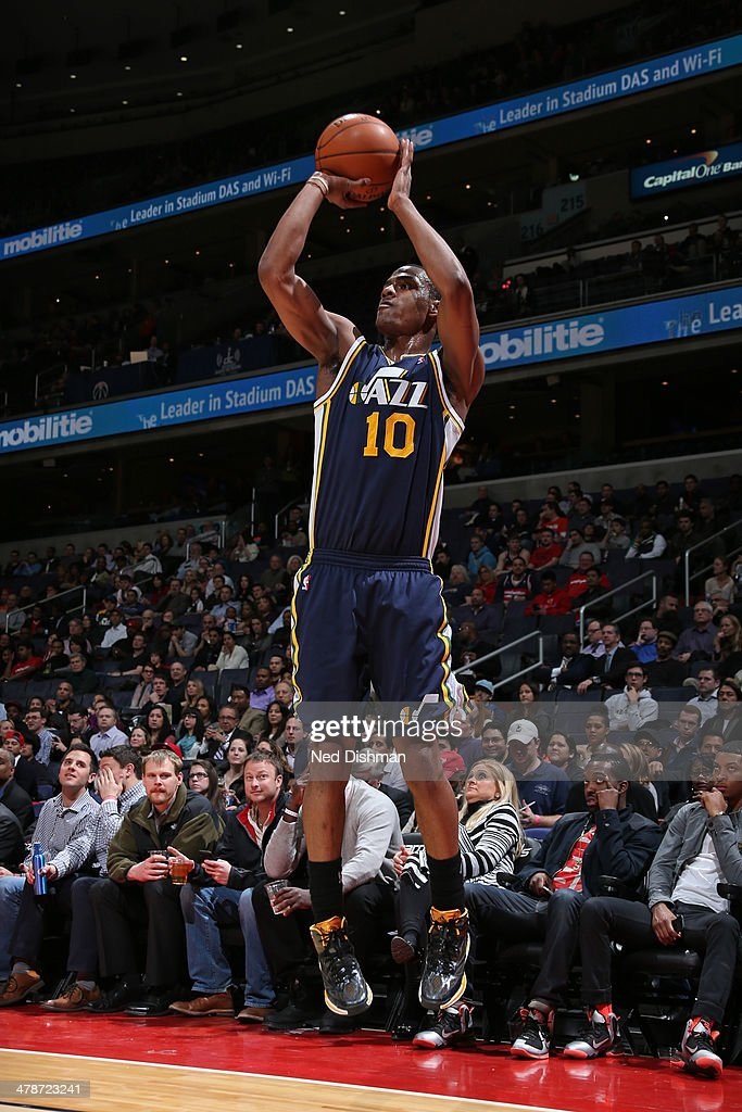 <a gi-track='captionPersonalityLinkClicked' href=/galleries/search?phrase=Alec+Burks&family=editorial&specificpeople=6834208 ng-click='$event.stopPropagation()'>Alec Burks</a> #10 of the Utah Jazz shoots against the Washington Wizards at the Verizon Center on March 5, 2014 in Washington, DC.