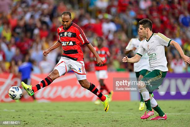 Alecsandro of Flamengo struggles for the ball with Marcelo Oliveira of Palmeiras during a match between Flamengo and Palmeiras as part of Brasileirao...