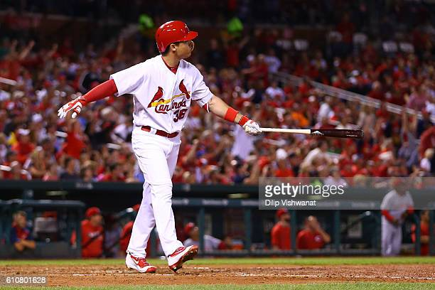 Aledmys Diaz of the St Louis Cardinals hits a grand slam against the Cincinnati Reds in the fourth inning at Busch Stadium on September 27 2016 in St...