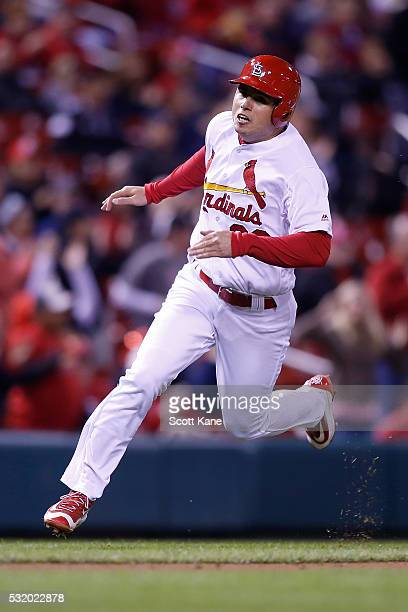 Aledmys Diaz of the St Louis Cardinals runs for home to score a run during the seventh inning against the Colorado Rockies at Busch Stadium on May 17...