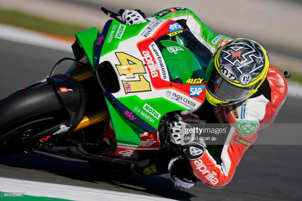 Aleix Espargaro of Spain and Aprilia Racing Team Gresini rounds the bend during the MotoGP Tests In Valencia day 1 at Comunitat Valenciana Ricardo Tormo Circuit on November 14, 2017 in Valencia, Spain.