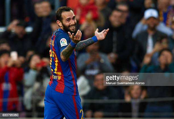 Aleix Vidal of Barcelona celebrates scoring his team's third goal during the La Liga match between FC Barcelona and Athletic Club at Camp Nou Stadium...