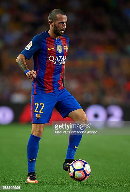 Aleix Vidal of FC Barcelona controls the ball during the Joan Gamper trophy match between FC Barcelona and UC Sampdoria at Camp Nou on August 10 2016...