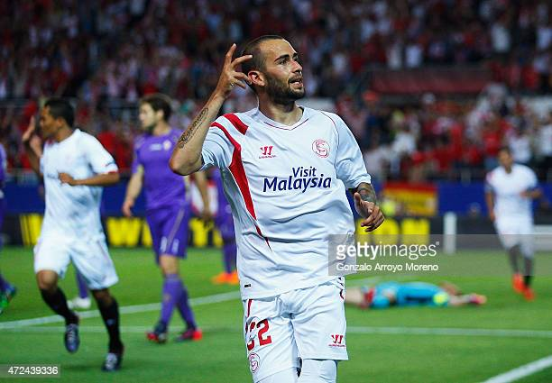 Aleix Vidal of Sevilla celebrates scoring his second goal during the UEFA Europa League Semi Final first leg match between FC Sevilla and ACF...