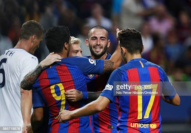 Aleix Vidal Parreu of FC Barcelona celebrates with his teammates during the PreSeason Friendly between Leicester City FC and FC Barcelona at Friends...