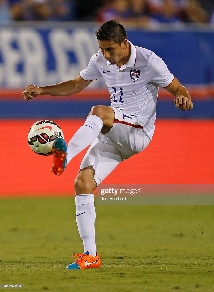 <a gi-track='captionPersonalityLinkClicked' href=/galleries/search?phrase=Alejandro+Bedoya&family=editorial&specificpeople=6703886 ng-click='$event.stopPropagation()'>Alejandro Bedoya</a> #11 of the USA takes a pass during first half action against Honduras during an International Friendly match on October 14, 2014 at FAU Stadium in Boca Raton, Florida. The match ended in a 1-1 tie.