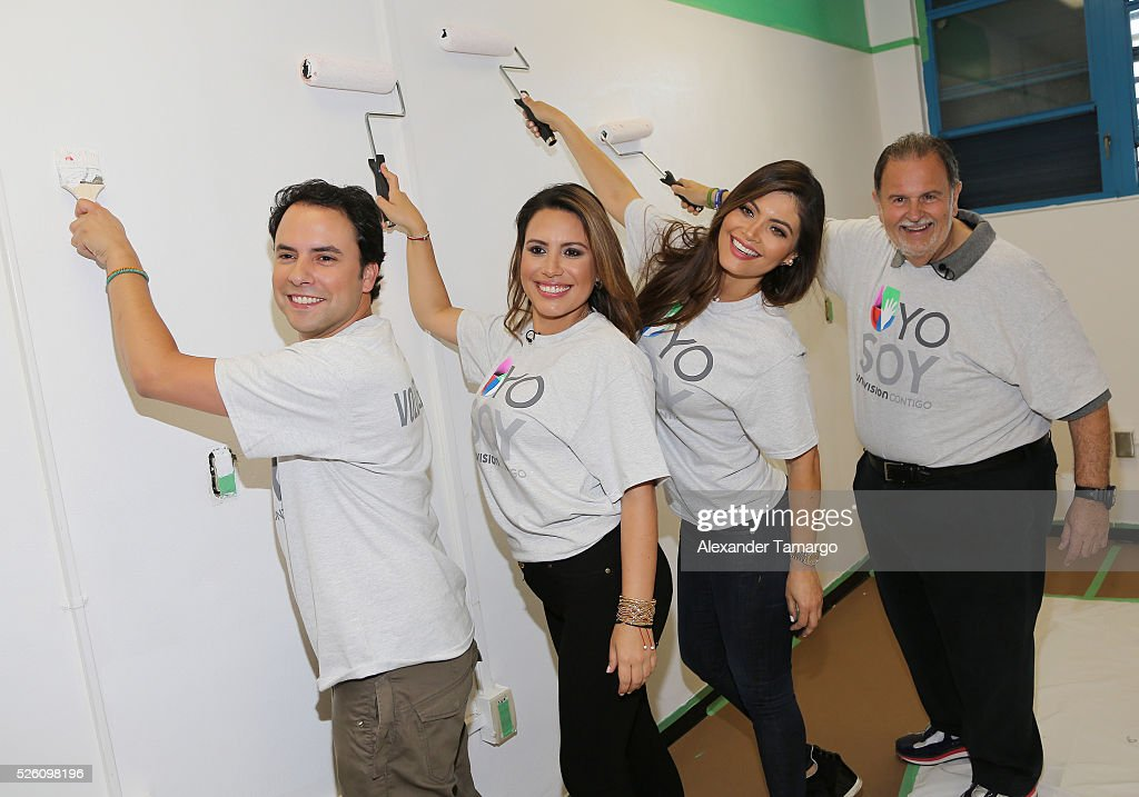Alejandro Berry, Lindsay Casinelli, Chiquinquira Delgado and Raul de Molina are seen during Univision's Media Centers/Week of Service at Ruben Dario Middle School on April 29, 2016 in Miami, Florida.