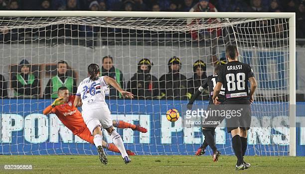Alejandro Dario Gomez of Atalanta BC scores the opening goal from the penalty spot during the Serie A match between Atalanta BC and UC Sampdoria at...