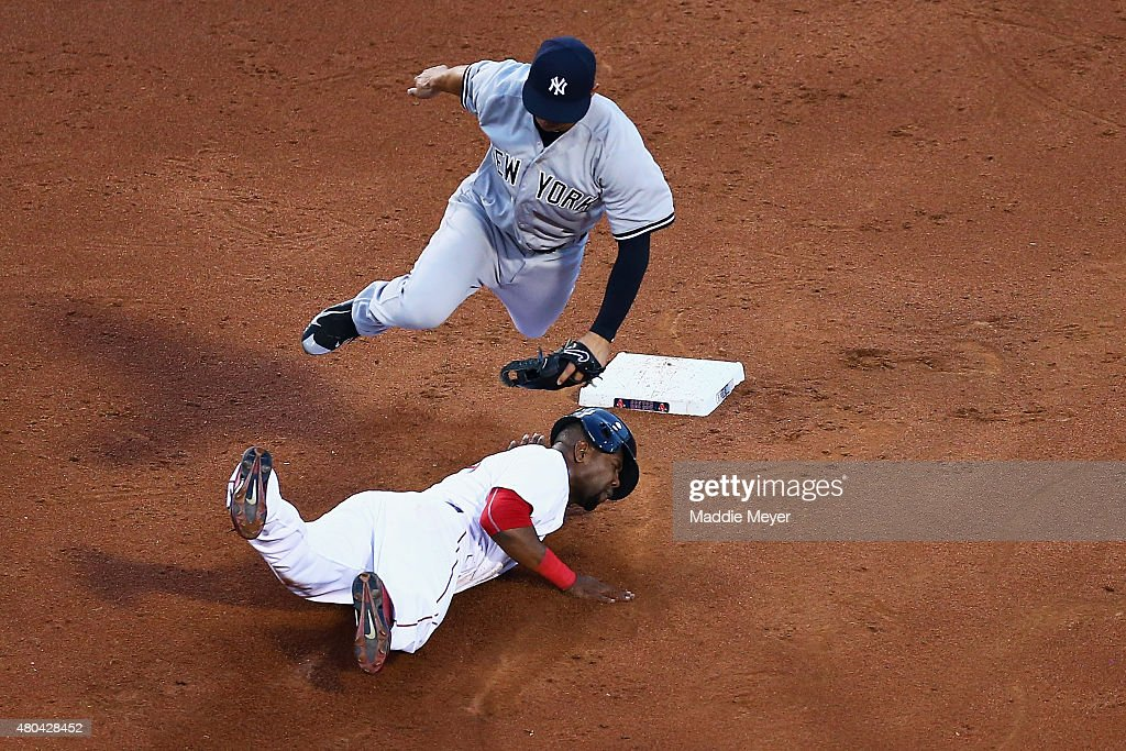 <a gi-track='captionPersonalityLinkClicked' href=/galleries/search?phrase=Alejandro+De+Aza&family=editorial&specificpeople=4181650 ng-click='$event.stopPropagation()'>Alejandro De Aza</a> #31 of the Boston Red Sox steals second past Jacob Lindgren #64 of the New York Yankees during the third inning at Fenway Park on July 11, 2015 in Boston, Massachusetts.