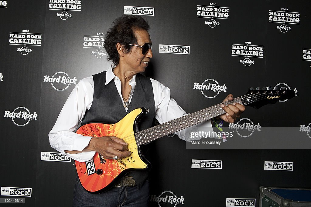 Backstage At Hard Rock Calling 2010: Day 2