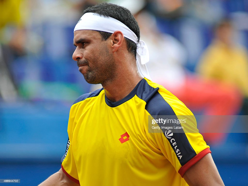 <a gi-track='captionPersonalityLinkClicked' href=/galleries/search?phrase=Alejandro+Falla&family=editorial&specificpeople=553827 ng-click='$event.stopPropagation()'>Alejandro Falla</a> of Colombia reacts during the Davis Cup World Group Play-off singles match between <a gi-track='captionPersonalityLinkClicked' href=/galleries/search?phrase=Alejandro+Falla&family=editorial&specificpeople=553827 ng-click='$event.stopPropagation()'>Alejandro Falla</a> of Colombia and Kei Nishikori of Japan at Club Campestre on September 18, 2015 in Pereira, Colombia.