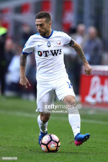 Alejandro Gomez of Atalanta BC in action during the Serie A match between FC Internazionale and Atalanta BC at Stadio Giuseppe Meazza on March 12...