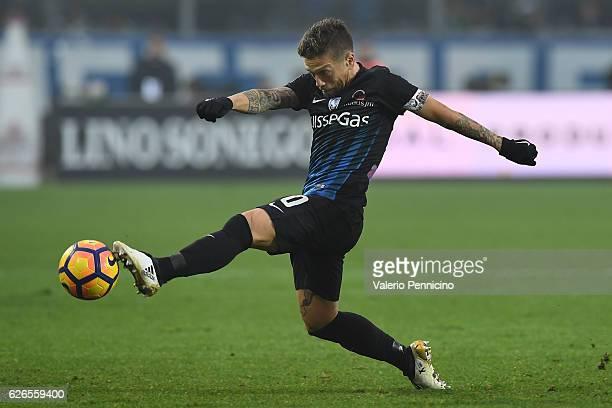 Alejandro Gomez of Atalanta BC in action during the Serie A match between Atalanta BC and AS Roma at Stadio Atleti Azzurri d'Italia on November 20...