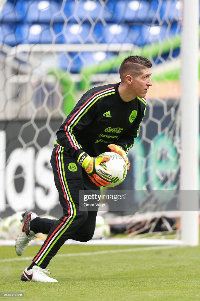 Alejandro Palacios goalkeeper of Mexico performs during a Mexico's National Team training session at Marlins Park on February 09, 2016 in Miami, United States.