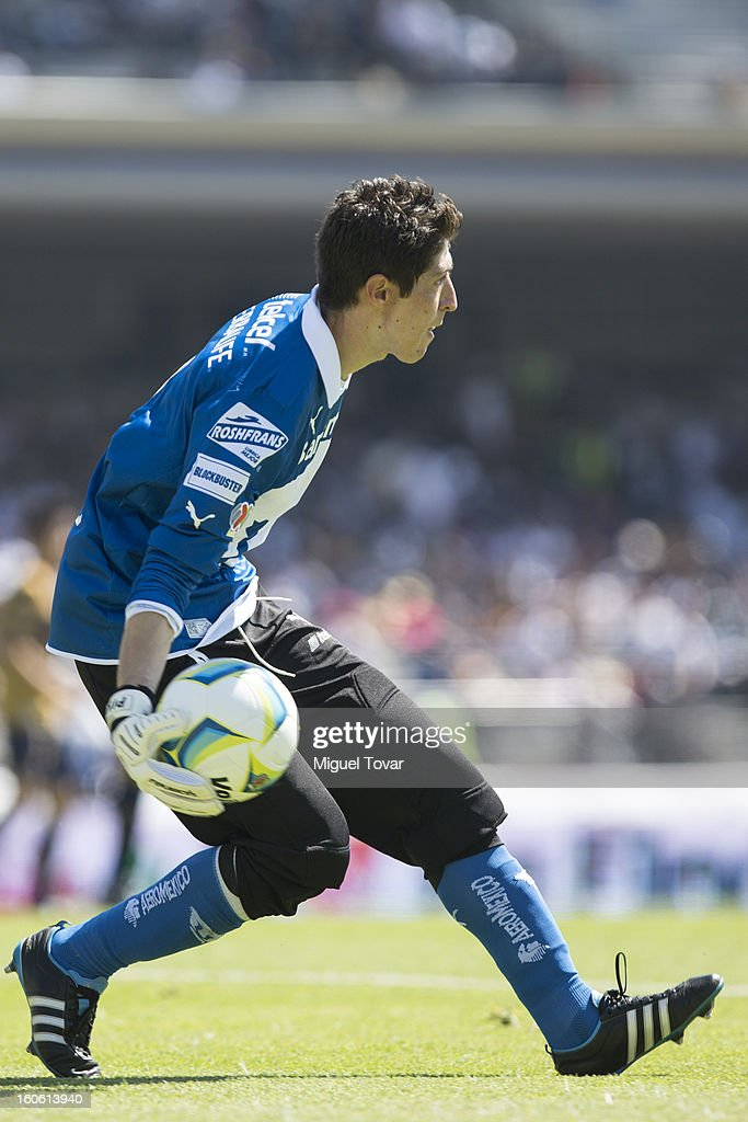 Alejandro Palacios, goalkeeper of Pumas controls the ball during a match between Pumas and Santos as part of the Clausura 2013 at Olímpico Stadium on February 03, 2013 in Mexico City, Mexico.