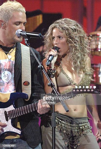 Alejandro Sanz and Shakira performs La Tortura during 2005 MTV Video Music Awards Show at American Airlines Arena in Miami Florida United States