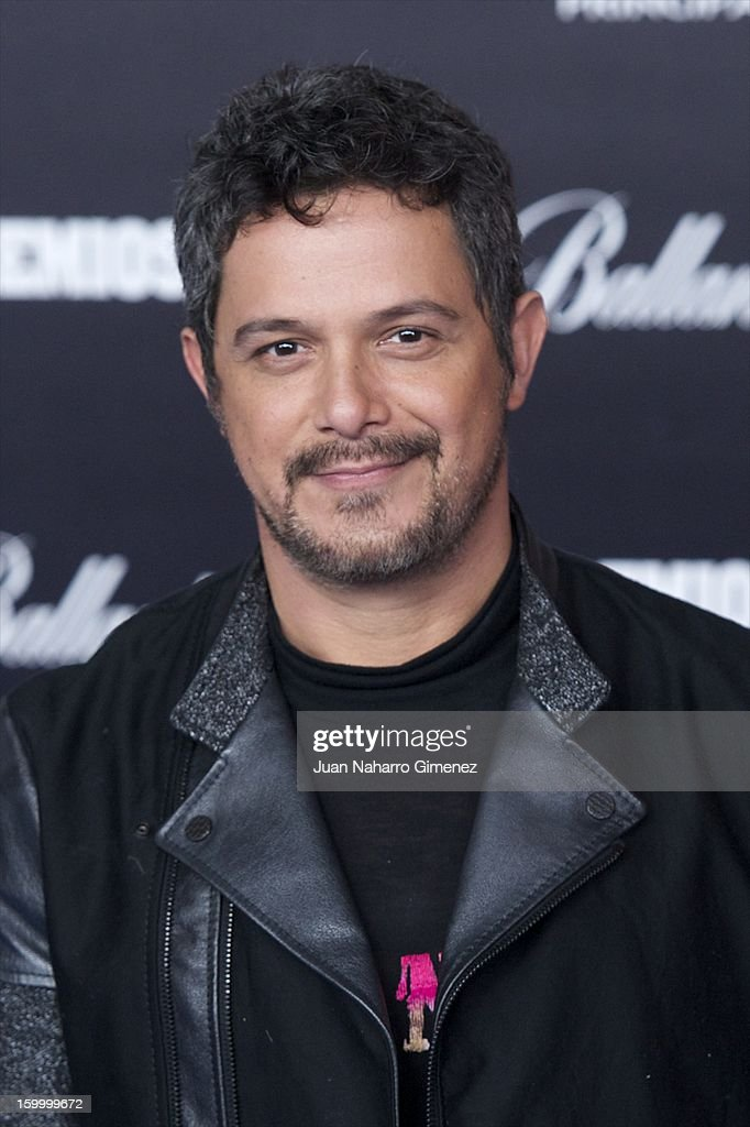 <a gi-track='captionPersonalityLinkClicked' href=/galleries/search?phrase=Alejandro+Sanz&family=editorial&specificpeople=208757 ng-click='$event.stopPropagation()'>Alejandro Sanz</a> attends '40 Principales Awards' 2012 photocall at Palacio de los Deportes on January 24, 2013 in Madrid, Spain.